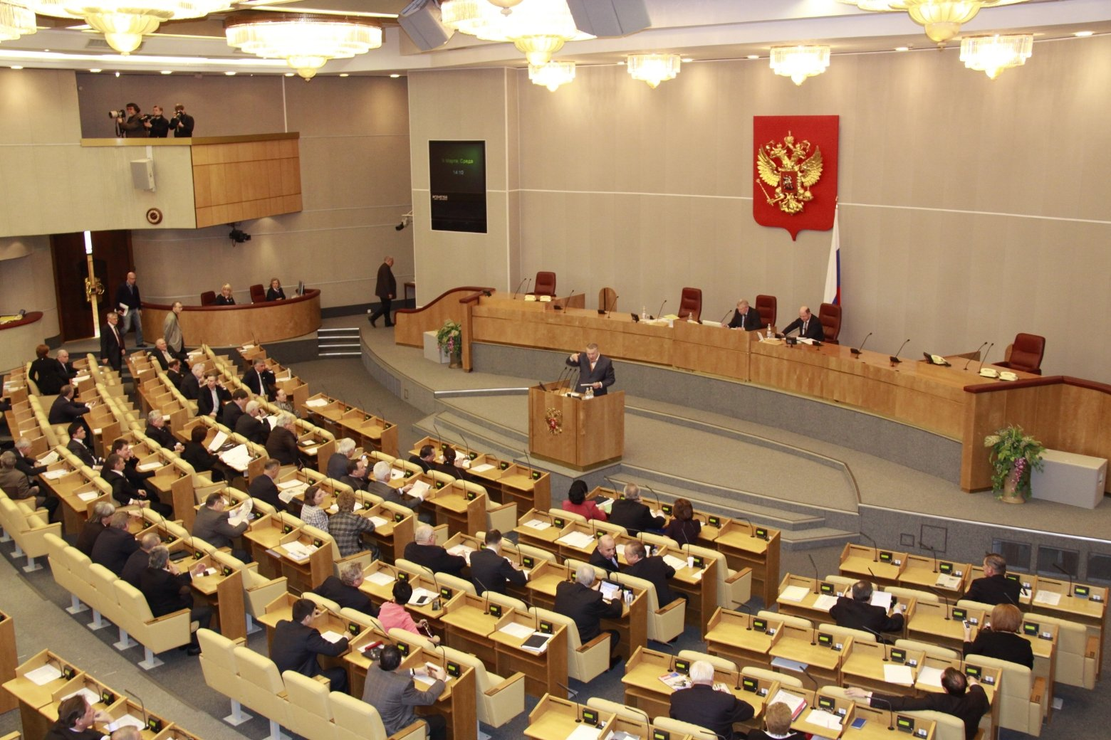 Онищенко заявил, что росияне сопьются из-за сокращённой рабочей недели