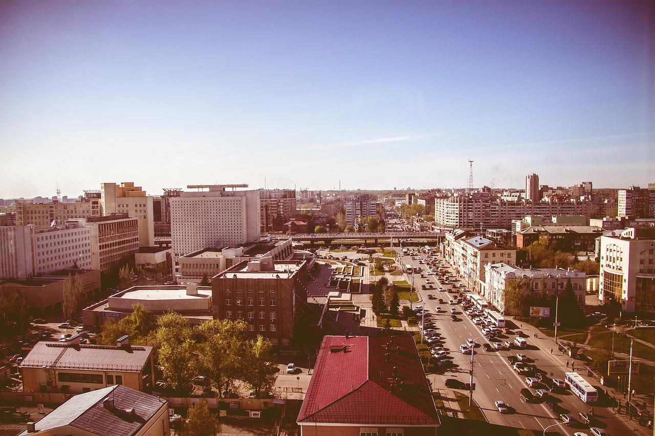 Варламов назвал Омск одним из беднейших городов России