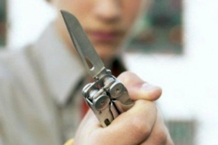 Ученик пришел в школу с ножом и стал угрожать преподавателям