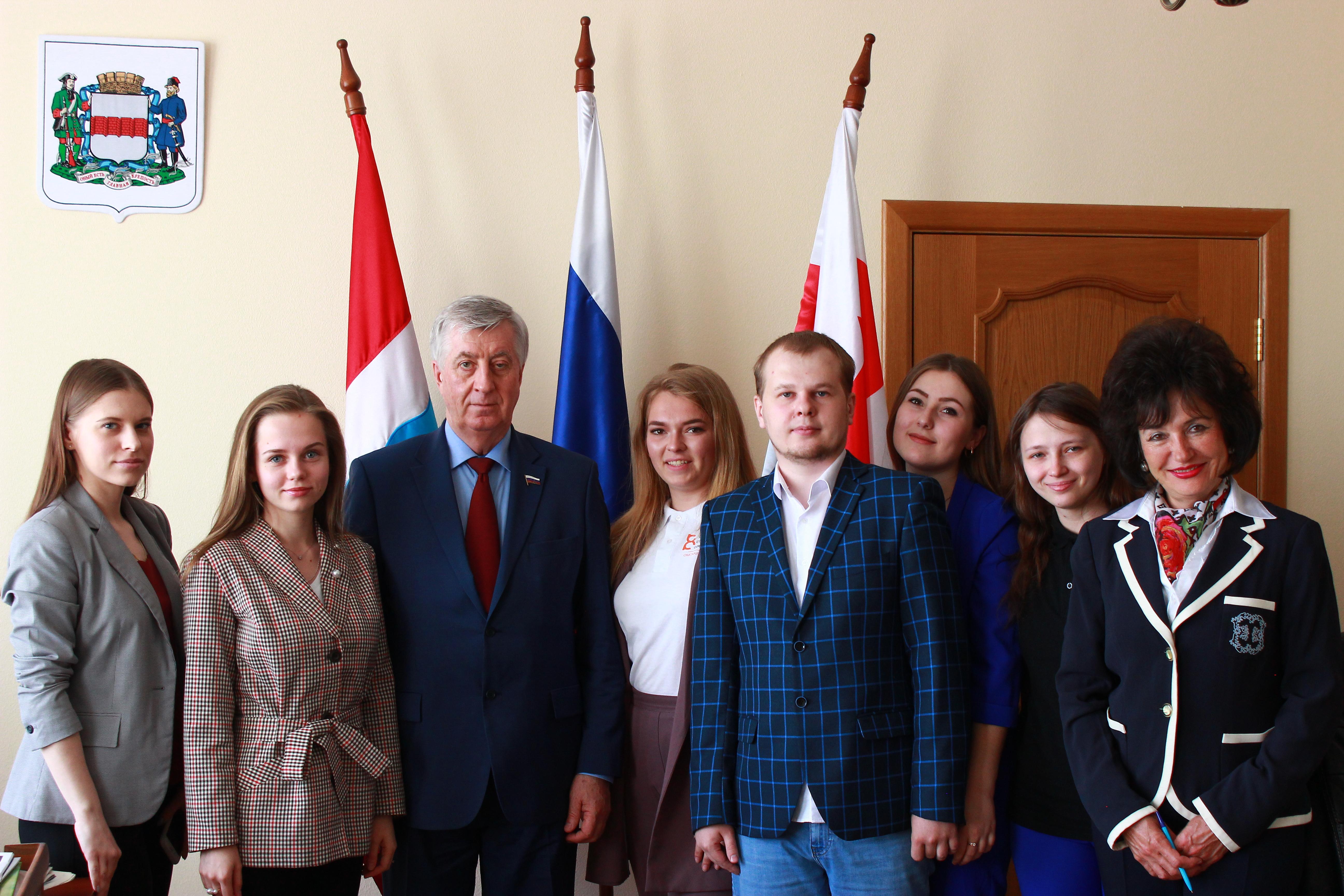 «Студенческие инициативы городу»: в Омске прошла встреча с Виктором Шрейдером