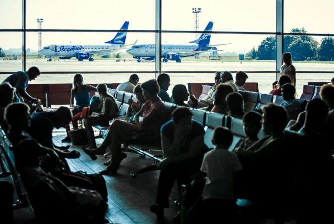 Росавиация получила распоряжение полностью прекратить авиасообщение с другими странами