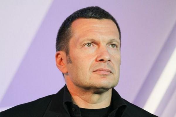 Шнуров назвал телеведущего Соловьева «неискренним»