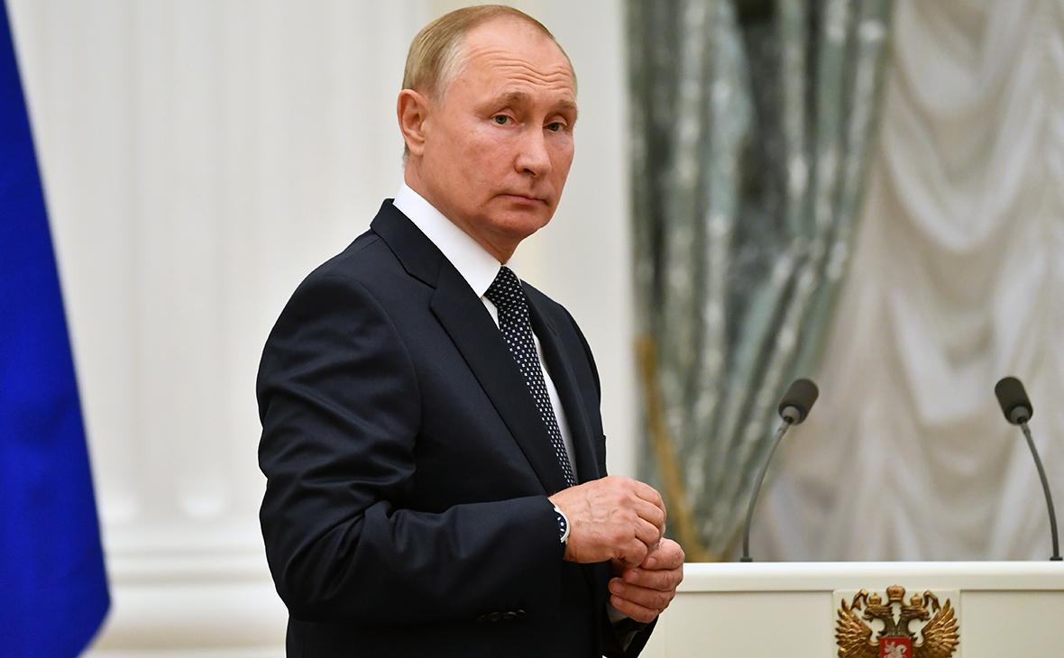 Президент России вынужден уйти на самоизоляцию