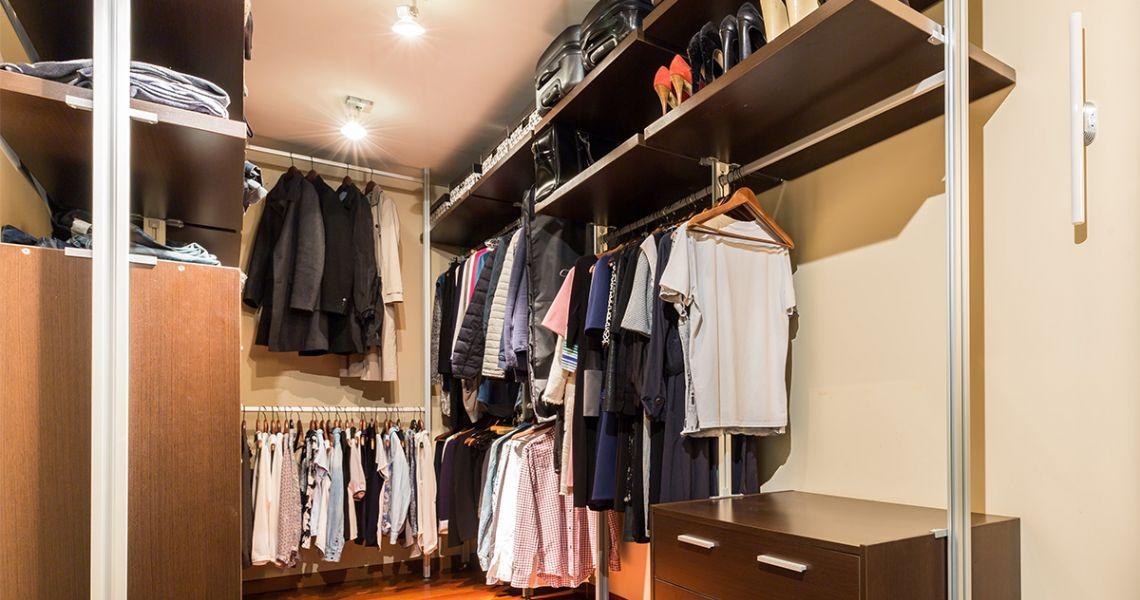 Лайфхак: Навести порядок в гардеробе за 5 шагов