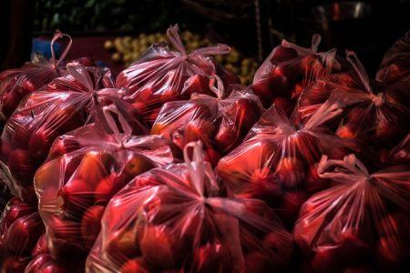 В России могут полностью отказаться от пластиковых пакетов