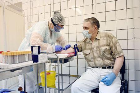 В Омске продолжает снижаться количество заболевших коронавирусом