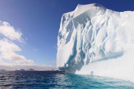 В Антарктиде откололся айсберг величиной с Санкт-Петербург