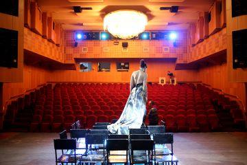 Тридцать лет на грани театра и моды