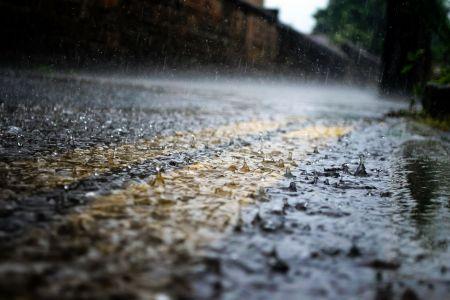 Водителей не будут штрафовать в дождь или туман
