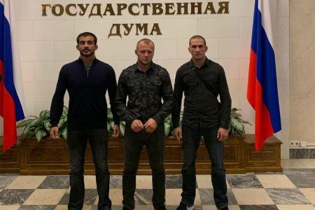 Шлеменко побывал на экскурсии в Госдуме и раскритиковал депутатов