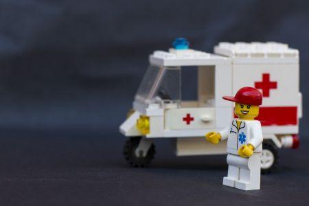 В Омске будут премировать лучших врачей области