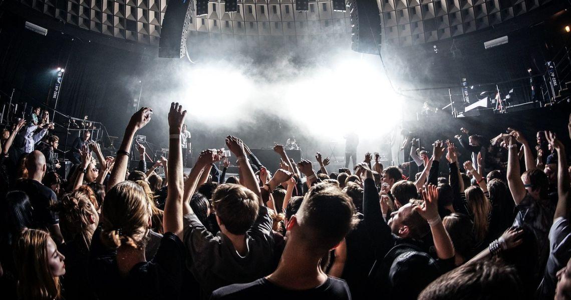 Культурная анархия. Как омская молодежь развлекается по ночам