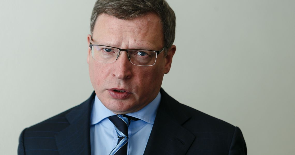 Омичка подала в суд на Александра Буркова