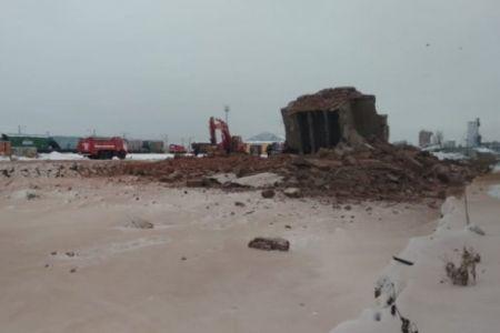 В Омске обрушилось здание. Есть жертвы