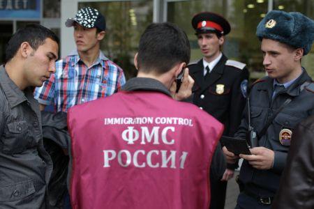 Владимир Путин считает, что России нужны мигранты