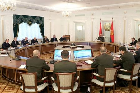 В Беларуси может быть введено военное положение