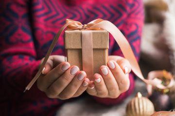10 советов, как купить новогодние подарки и не остаться на мели