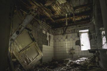 Сносить - не строить, или Новые беды омского здравоохранения