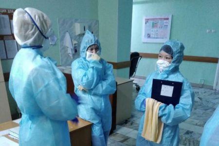 В Омске продолжает расти среднесуточное количество зараженных COVID 19
