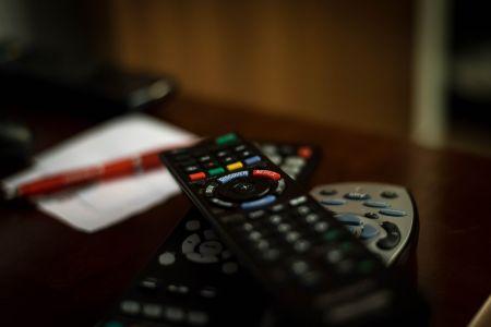 Отца троих детей пытались лишить родительских прав из-за отсутствия телевизора
